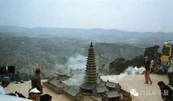tinhhoa.net-6m4awv-20160610-chum-anh-hau-truong-ky-xao-hai-huoc-cua-tay-du-ky-1986