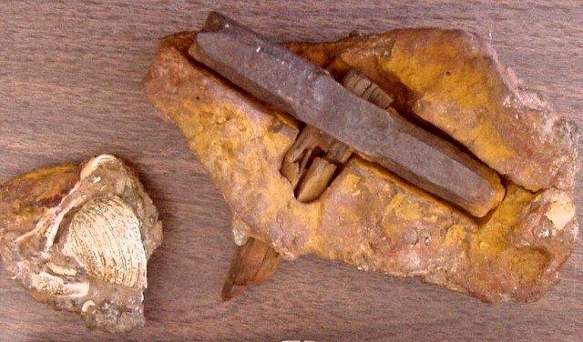 Chiếc búa được hai vợ chồng Max Hahn và Emma tìm thấy vào Tháng 6/1936.