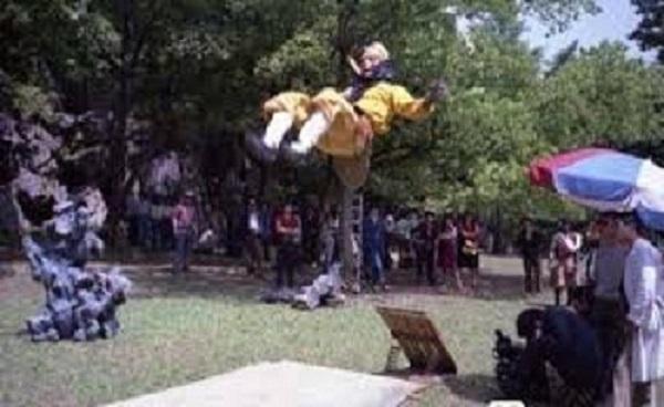 tinhhoa.net-tuqdvy-20160610-chum-anh-hau-truong-ky-xao-hai-huoc-cua-tay-du-ky-1986