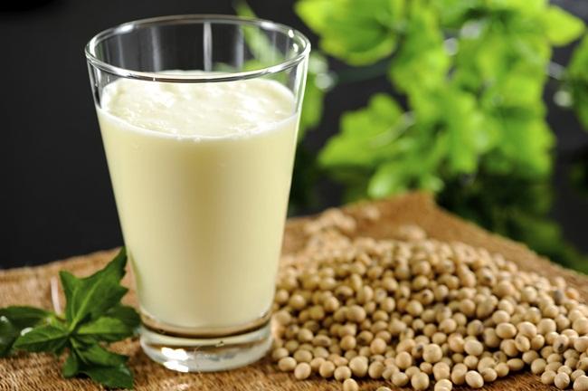 Đậu nành là thực phẩm chứa nhiều vitamin B, đồng và phốt pho.(ảnh: Internet)