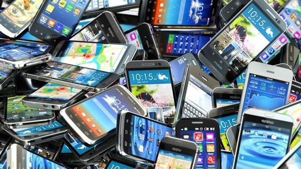 Những chiếc smartphone đáng giá nhiều hơn chúng ta vẫn tưởng. Ảnh:BBC.