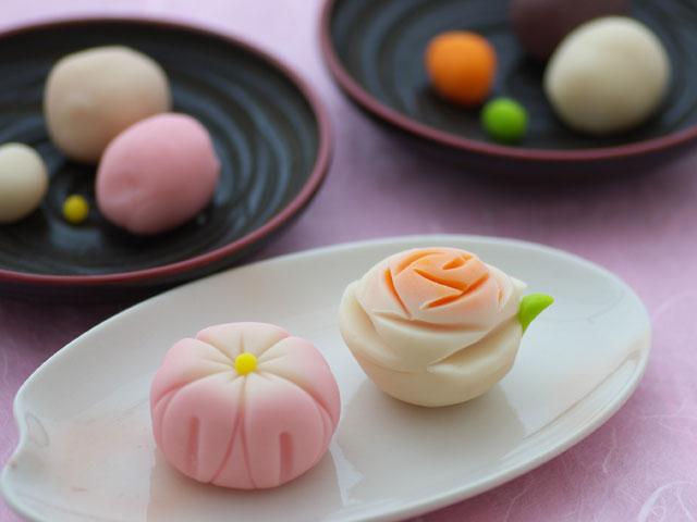 Thư giãn cuối tuần để thưởng trà và ngắm bánh wagashi.1