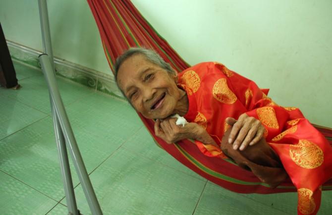 Cụ bà Việt Nam cao tuổi nhất thế giới. 1