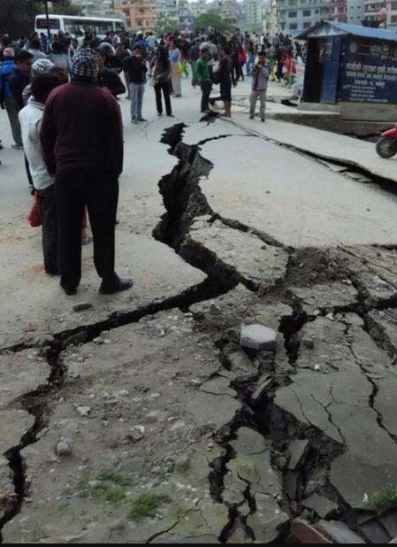 Động đất tại Nepal: 1.457 người chết, có thể còn nhiều nạn nhân trong đống đổ nát - H5