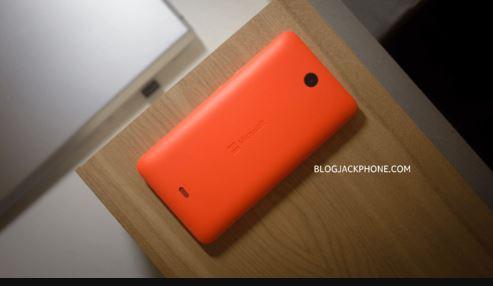 Cận cảnh smartphone Lumia 430 giá rẻ giật mình của Microsoft - H4