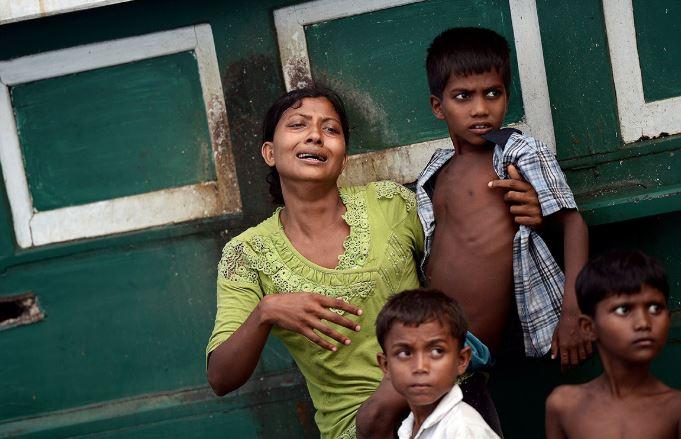 Thảm cảnh khốn cùng của người di cư Rohingya và Bangladesh trên biển - H15