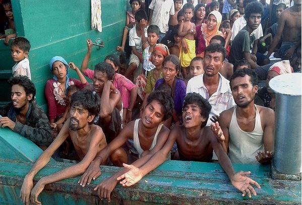 Thảm cảnh khốn cùng của người di cư Rohingya và Bangladesh trên biển - H1