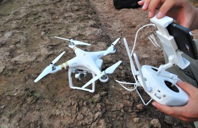 """Nhiều thợ bay tại Hà Nội đang lo lắng và tìm cách bay """"núp"""" khi thiết bị bay siêu nhẹ bị """"siết"""" chặt"""
