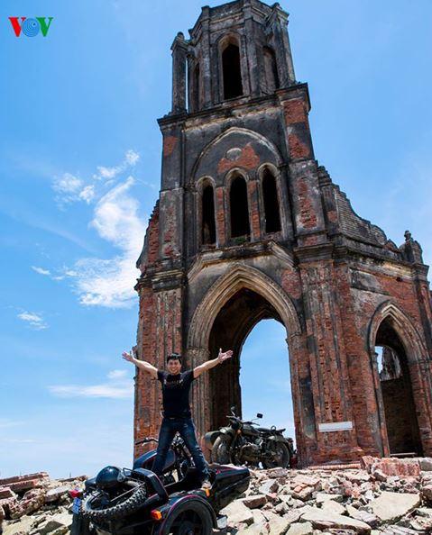 Ngắm vẻ đẹp hoang tàn đầy quyến rũ của nhà thờ đổ Trái Tim, Hải Lý - H9