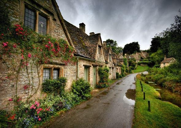 Vi vu những ngôi làng cổ đẹp như cổ tích trên thế giới - H6