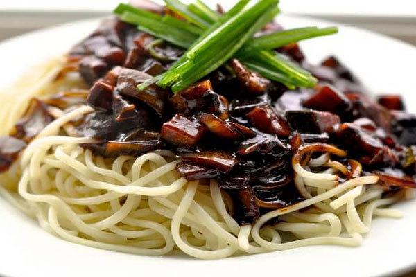 Truyền thuyết ra đời ngày Valentine 14/2 và các ngày lễ tình yêu khác - mỳ đen Jajanggmyun