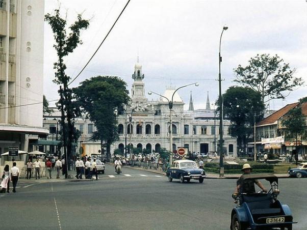 Ngắm Sài Gòn hoa lệ trước năm 1975 qua những thước ảnh màu quý giá - H10