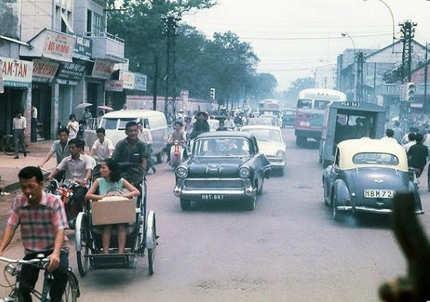 Ngắm Sài Gòn hoa lệ trước năm 1975 qua những thước ảnh màu quý giá - H11