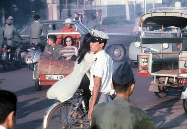 Ngắm Sài Gòn hoa lệ trước năm 1975 qua những thước ảnh màu quý giá - H20