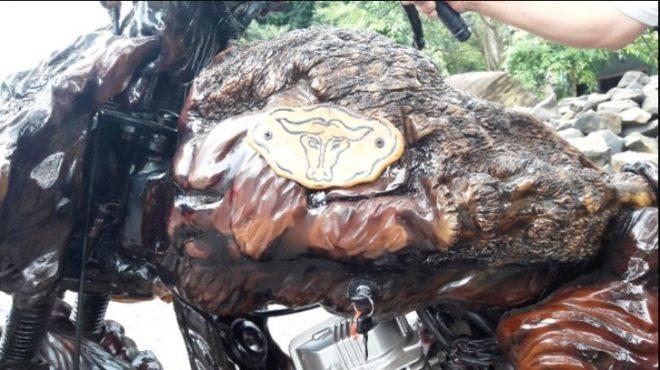 Chiếc môtô bằng gỗ độc nhất vô nhị ở Việt Nam.6
