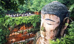 Tượng Thần Phật rơi lệ khắp nơi, điều gì đang chờ đợi thế gian con người?