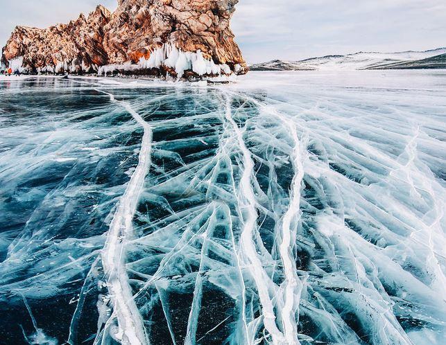 Ngắm nhìn hồ băng đẹp như cổ tích ở miền nam nước Nga - H1