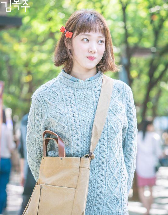 """Phim đã hết nhưng con gái Hàn vẫn đổ xô cắt tóc ngắn cũn, tô son giống """"tiên nữ cử tạ"""" Kim Bok Joo - H1"""