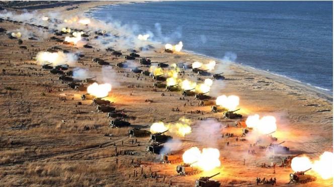 Một cuộc tập trận của lực lượng pháo binh quân đội Triều Tiên