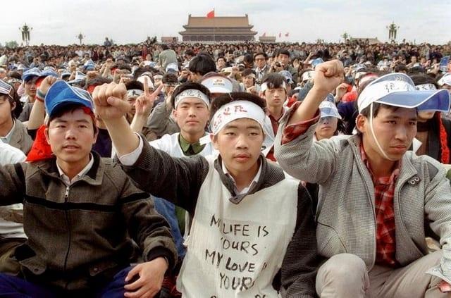 Hàng ngàn sinh viên đã biểu tình tại quảng trường Thiên An Môn 1989.