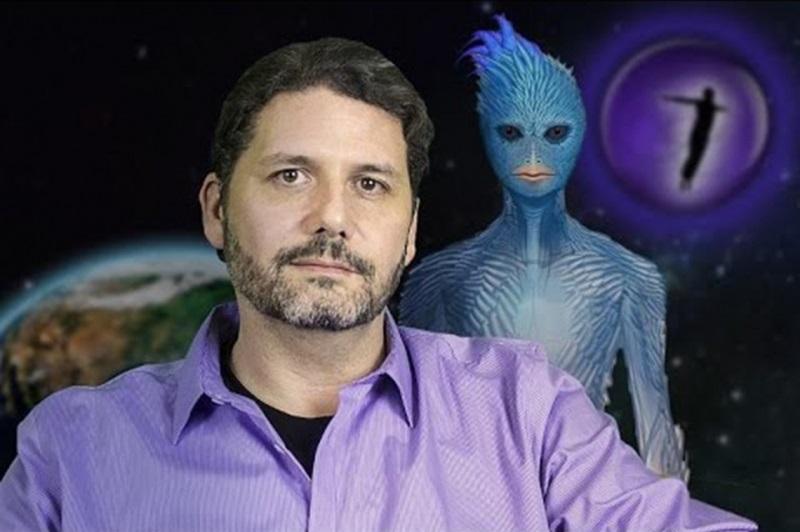 Cựu nhân viên NASA tiết lộ bí mật về người ngoài hành tinh và nền văn minh trong lòng đất