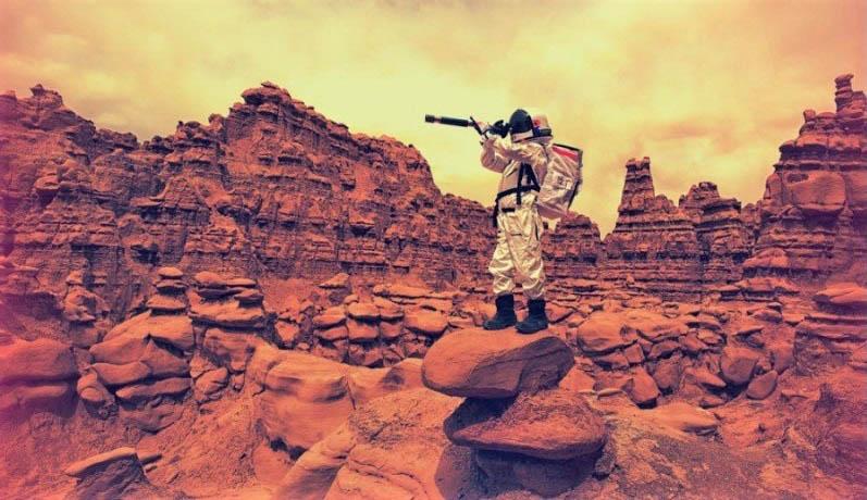 Thuyền trưởng Mỹ kể về sứ mệnh bảo vệ thuộc địa của loài người trước sinh vật sao Hỏa - ảnh 1