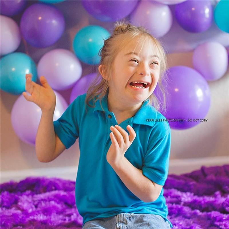 Bé trai bị bệnh Down chụp được hìnhthiên thần hộ mệnh khiến người xem kinh ngạc - ảnh 3