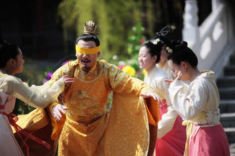 Hoàng đế còn có tam cung lục viện, phải chăng nam nhân có 3, 4 vợ cũng là chuyện thường? - ảnh 1