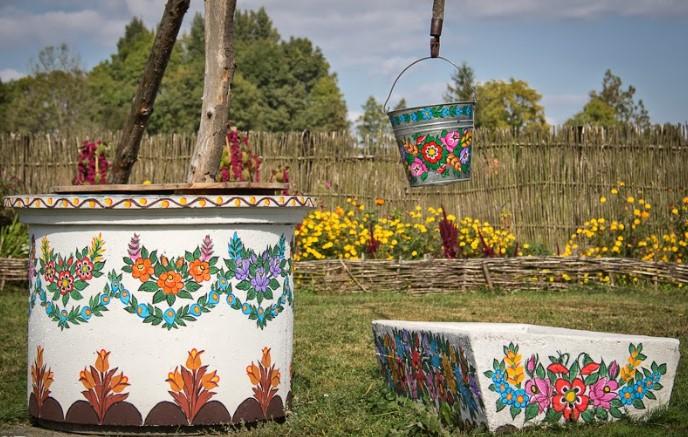 Zalipie - Ngôi làng rực rỡ sắc hoa ở Balan.9