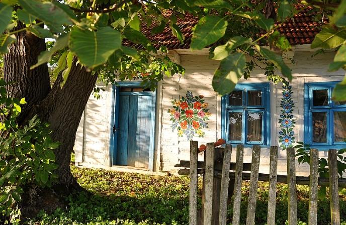 Zalipie - Ngôi làng rực rỡ sắc hoa ở Balan.11