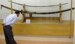 Chủ nhân của thanh kiếm Norimitsu Odachi dài gần 4m ở Nhật là người khổng lồ?