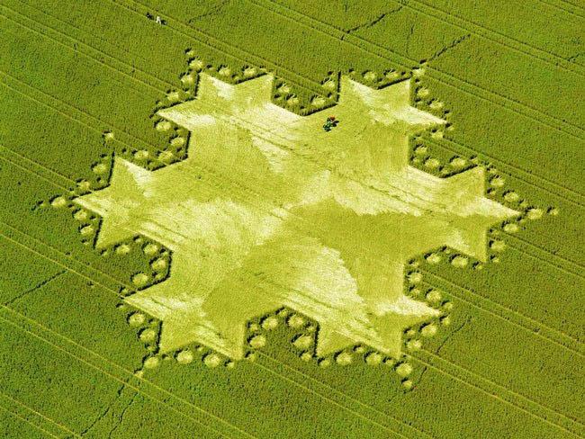 Những vòng tròn bí ẩn trên cánh đồng: Tuyệt tác của người ngoài hành tinh? - ảnh 12