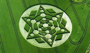 Những vòng tròn bí ẩn trên cánh đồng: Tuyệt tác của người ngoài hành tinh?