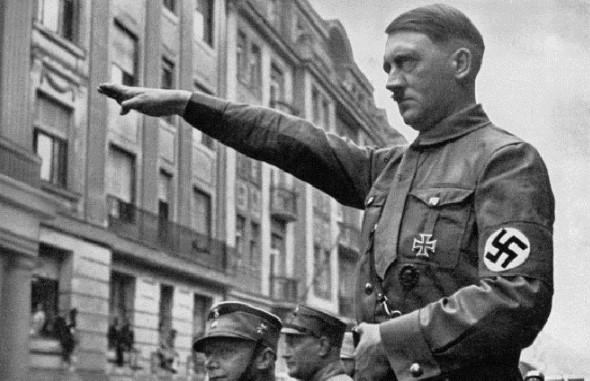 Cụ ông 128 tuổi ở Argentina tự nhận là Hitler, xuất đầu lộ diện 'khôi phục' hình ảnh sau 72 năm lẩn trốn.2
