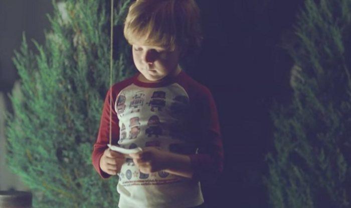 Cậu bé gọi 911 nhờ tìm mẹ trên… thiên đường, và câu trả lời đầy xúc động của chú cảnh sát.4