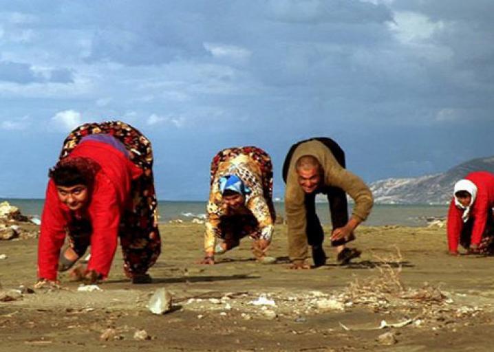 Thổ Nhĩ Kỳ: 5 anh em trong gia đình đi lại bằng 4 chi giống như gấu - ảnh 3