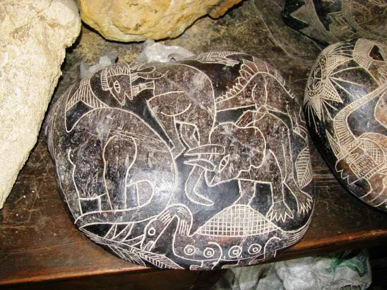 Vì sao máy bay, trực thăng, khủng long lạixuất hiện trong các tác phẩm nghệ thuật cổ đại? - ảnh 4