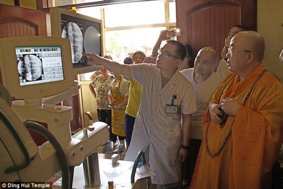 Xác ướp vàng của đại sư Phật giáo vẫn nguyên vẹn sau 1.000 năm - ảnh 2