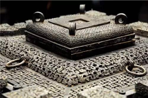 Băng giám - Tủ lạnh gần 2.500 năm tuổi kỹ thuật hiện đại cũng không phục chế được - ảnh 4