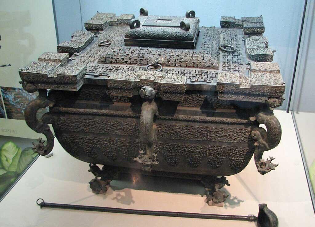Băng giám - Tủ lạnh gần 2.500 năm tuổi kỹ thuật hiện đại cũng không phục chế được