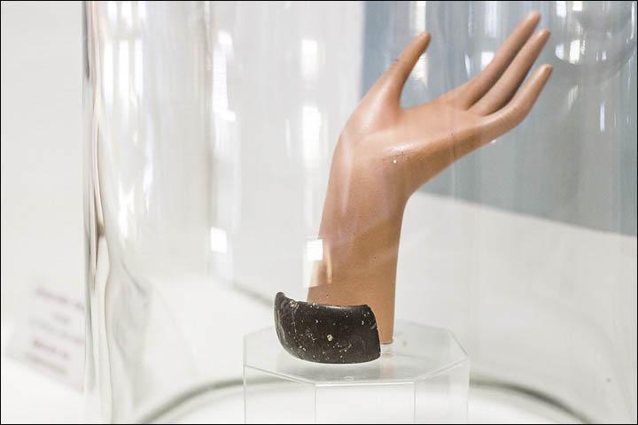 Chiếc vòng tay 70.000 năm tuổi cho thấy tổ tiên loài người tinh vi hơn ta nghĩ - ảnh 3