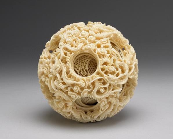 Quả cầu ngà voi Trung Hoa - Đỉnh cao của nghệ thuật điêu khắc cổ đại - ảnh 1