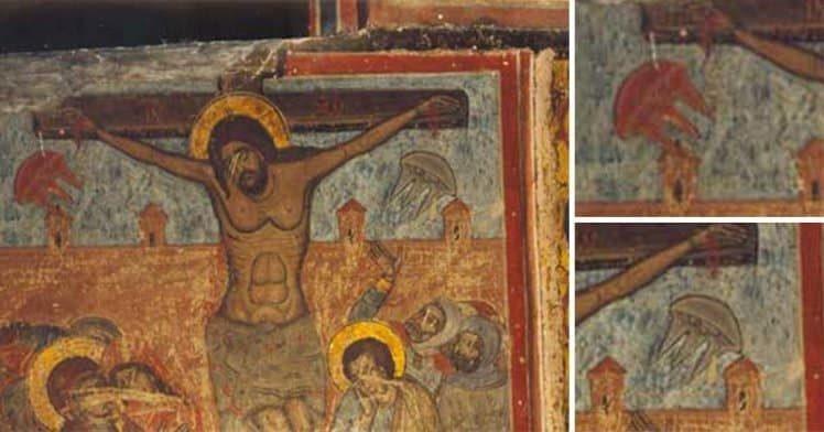 """UFO trong bức tranh""""ChúaGiê-subị đóng đinh trên cây thánh giá"""""""