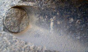 Vết khoan tinh xảo trên đá – Chứng tích của công nghệ tiên tiến thời cổ đại