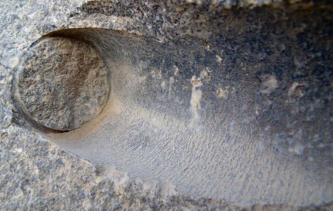 Những vết khoan cắt tinh xảo trên đá - Chứng tích của nền công nghệ tiên tiến thời cổ đại - ảnh 4