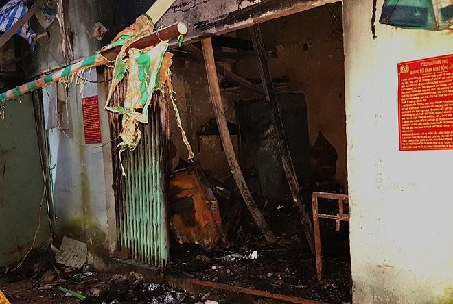 Căn nhà cấp 4 hư hỏng, đổ sập, nhiều tài sản bên trong bị thiêu rụi sau vụ hỏa hoạn lúc nửa đêm. (Ảnh: Shoptintuc)