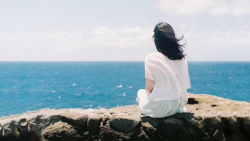 Sự cô đơn lâu dài còn có thể dẫn đến nhiều bệnh tật. (Ảnh qua Twitter)