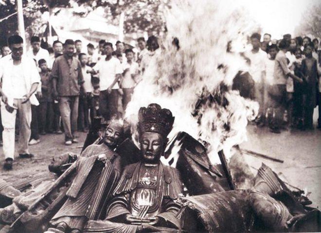Phá hoại thánh tích nhà Phật bị quả báo nhãn tiền khiến nhiều người tỉnh ngộ. 2