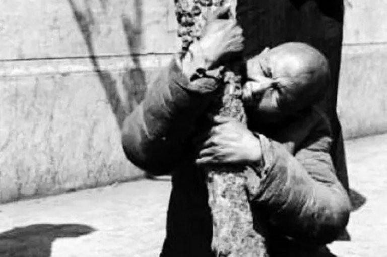 """""""Cha làm thịt con"""" - Thảm kịch kinh hoàng trong nạn đói 1960 ở Trung Quốc"""