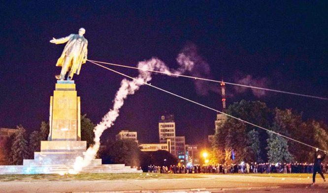 """Nhìn lại những cuộc """"cách mạng"""" hủy diệt văn hóa của Đức Quốc xã, Liên Xô và Trung Quốc - H3"""